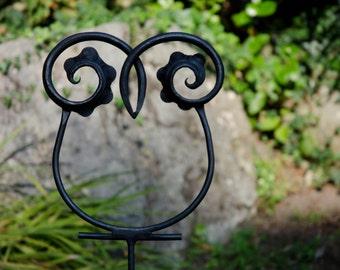 metal garden owl decoration