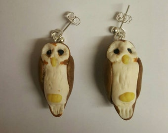 Polymer clay barn owl earings, studs. Sculpted / handmade item. Nature, wildlife, bird of prey themed jewellery. Very cute gift