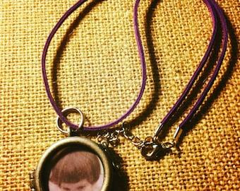 Circle locket
