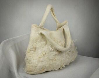 Felted handbag with flockes
