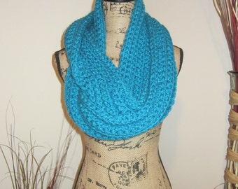 Chunky Blue Infinity Scarf