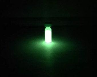 Green Europium phosphorescent glow in the dark Powder - Chemistry Sample