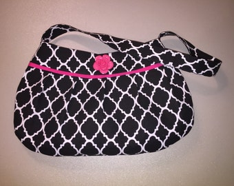 Black and white print pleated purse