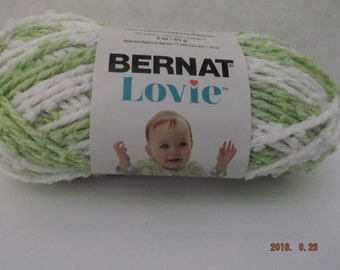 Bernat Lovie Baby Yarn ~ Color Green ~ #5 Bulky ~ 77 Yds