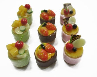 Dollhouse Miniatures Food 9 Mini Fruit Cake Mixed Assorted Fruit Supply Deco Charms - 12147