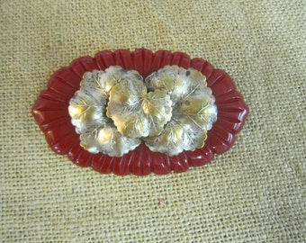 Vintage bakelite leaves brooch ,1940