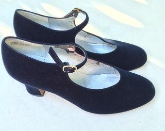 Blue Velvet Ladies Apostrope Heels Mary Janes Pumps Heels 8 Vintage