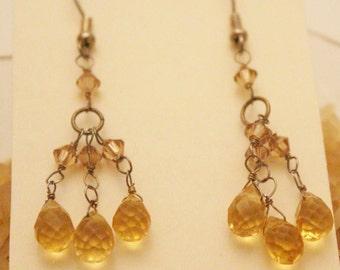 Pretty golden Chandelier earrings - EA282