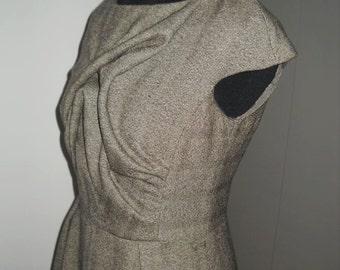 Woolen dress, short sleeve