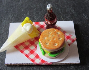 Hamburger with French fries - Dollhouse / miniature polymer clay