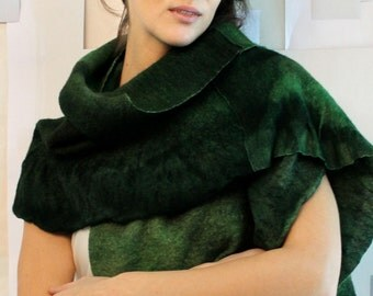 Oversized green scarf, Green felted scarf, knit shawl, dark green wool wrap, christmas outfit, trendy women clothes, elegant cloth, gift