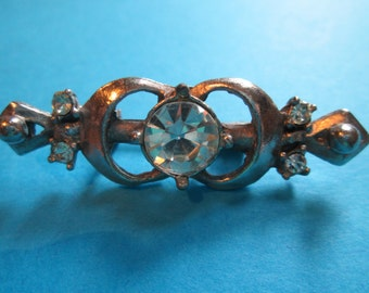 Gorgeous Vintage Jeweled Brooch