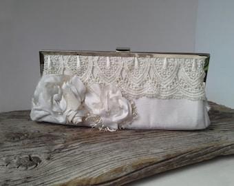White Bridal ,Wedding Bag, White Wedding Bag, Bridesmaid Gift, Wedding clutch,  Luxury Bridesmaid Gift, flower brooch, silk brooch