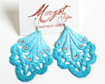 Lace Earrings/Swarovski Earrings/ Ombre effects/ Light/Dark Blu Turquoise/Fashion Earrings/Chandelier Earrings/Statement Earrings/Boho