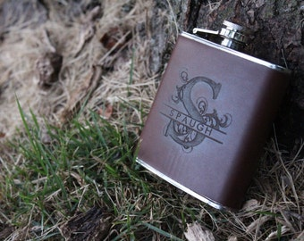 10 Groomsmen Gift, Flask -Bridesmaid flask - Personalized Flask, Engraved Flask, leather - Wedding Party Flasks - groomsman bridal party