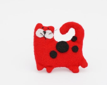 unique, handmade, felt brooch cat, red cat, red, black, dots, gift idea, cute, accessories, present
