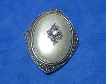 Amazing Vintage Costume Brooch Jeweled by Avon