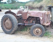 Tractor -very old and not working