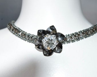 Ras neck Swarovski crystal flower crystal silver with crystal center moonlight