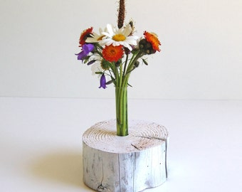 Unique, decorative wooden vase in the Shabbylook