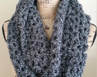 Crochet scarf, Infinity scarf, Chunky scarf, Cowl, Handmade, Chunky circle scarf, Scarves, V-Stitch infinity scarf
