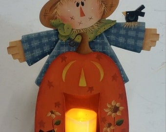 Scarecrow Candle Box designed by Renee Mullins (Plum Purdy Designs) painted by Kim Fraser.