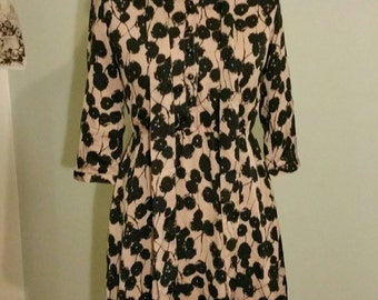 1980s Taupe and Black print dress
