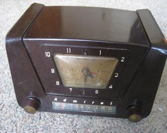 Admiral 5X22 Clock Radio (1952)
