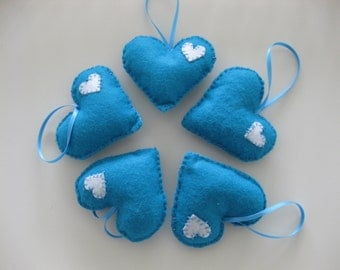 Set of 5 felt,turqoise harts; great for a wedding or valentine, handmade