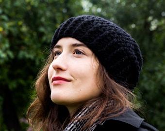 Womens slouchy beanie hat, black, 100 % soft merino wool