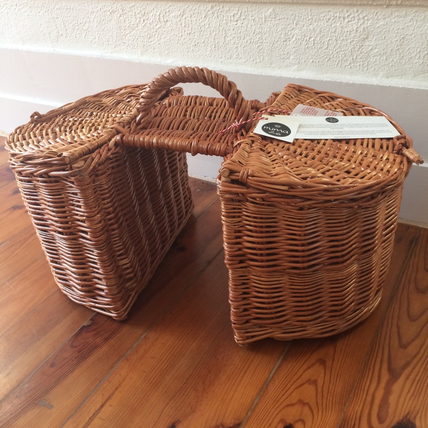 Hand-woven wicker bicycle double basket Lidded wicker bicycle