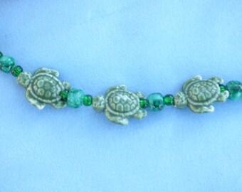 By the Sea 3 Turtles Eyeglass Holders, Earring set