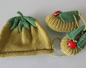 Baby kit - Apples - Baby hat and baby shoes - New