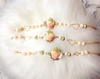 Bracelet Strawberry with cream