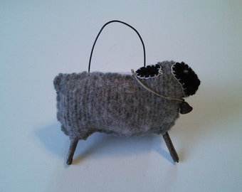 Primitive sheep/prim decor/ornament or accent
