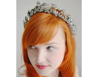 Vintage Bridal Halo, Wire Bridal Crown, German Myrtle Flower Tiara, Fourties Headpiece, Vintage Bride
