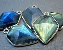 3Pcs Lot, Labradorite Gemstone Bezel Charm Pendant, 925 Silver Charms Pendant, Handmade Wholesale Jewelry, Shield Charms Pendant, RRJ-066