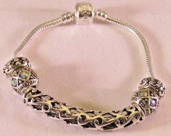 Snake Chain Silver Tone Faceted Lampwork Bracelet.