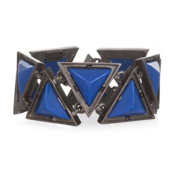 Bold Triangle Link Bracelet in Steel Tone