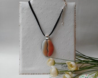 Oval glass fusing necklace. Pendant vitro fusion. Gifts for her. Ideas for her gift.