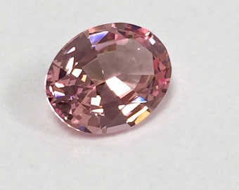 Morganite Pink light. Oval 10x8mm. 2.85 Ct. Created Gemstone Monosital.