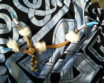 Northern Breath - reindeer antler, shamanic rattle, lapin, brass bells, campanelli ottone, bianco, blu, white, blue