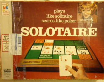 Solotaire game - Milton Bradley 1973 - with gaming board