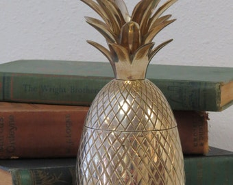 Small Brass Pineapple Jar - Hollywood Regency - Brass Trinket box - Pineapple Candle Holder