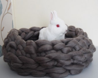 Chunky knitted pet bed 100% merino wool, crocheted merino wool pet bed, knitted cat bed , dog bed/ pet mat/cozy pet bed extreme knitted