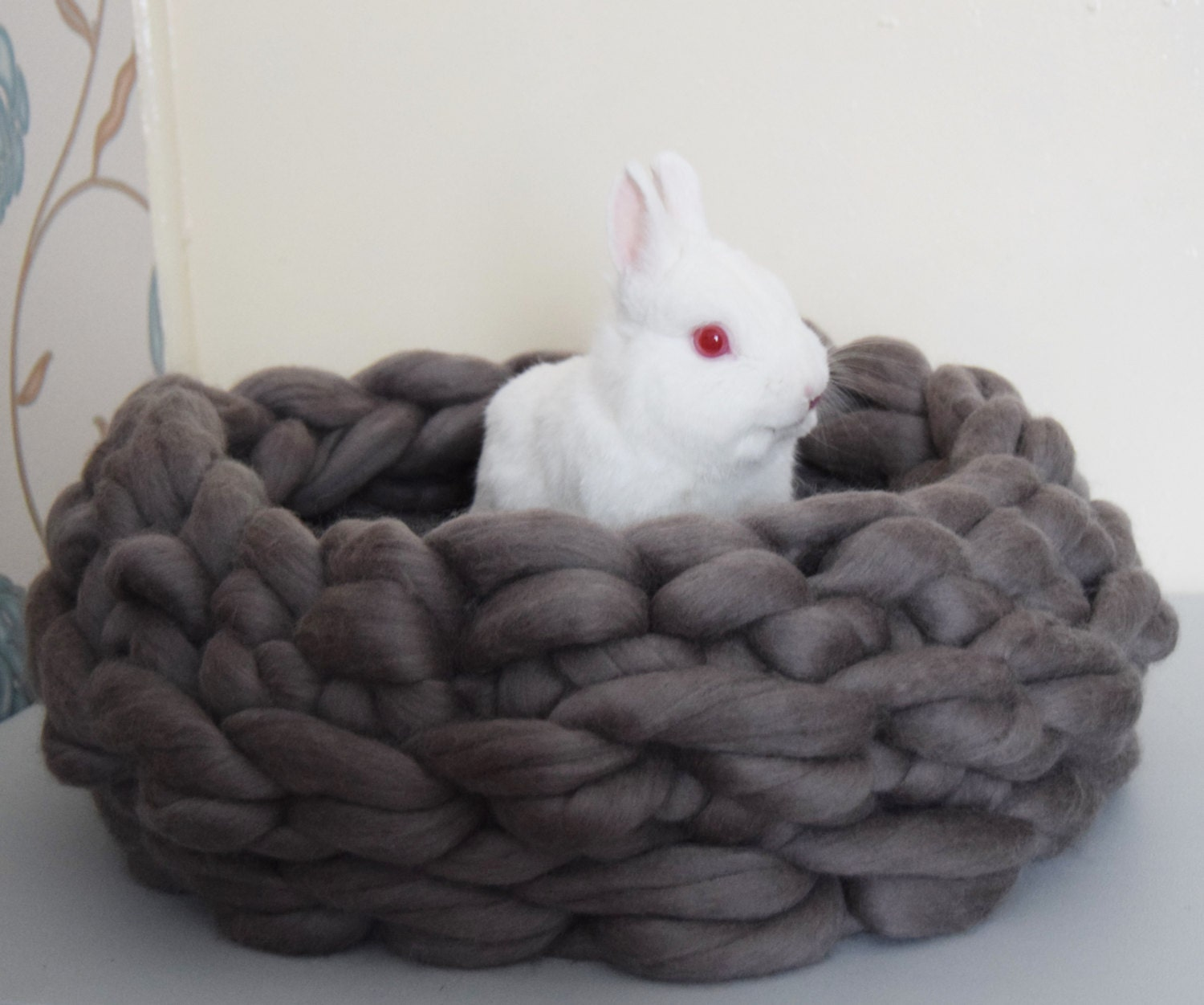 Knitting Patterns For Pet Beds : Chunky knitted pet bed 100% merino wool crocheted merino wool