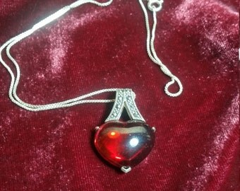 Elegant Red Heart Silver Pendant Necklace