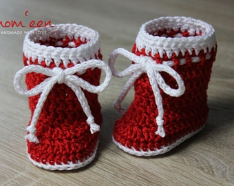 """Baby boots """"Santa"""" with cord red white GR 15."""