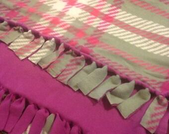 Fleece lap blanket purple