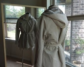 Vintage 1960's 1970's London Fog Short Raincoat Faux Fur Lined Fully Lined Detachable Hood Elastic Waist Marked Vintage 7/8